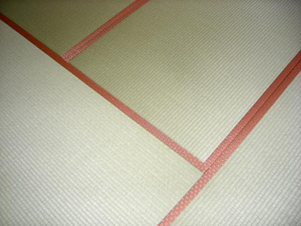 赤い畳縁画像